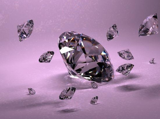 В Нью-Йорке показали уникальный бриллиант весом более ста карат