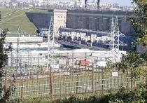 Иркутская ГЭС продолжает сброс воды