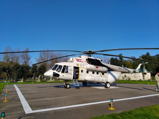 На вертолете в Тверь доставлена тяжелобольная молодая женщина