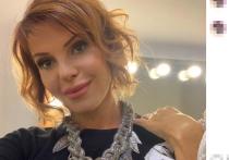 Некогда популярная певица, ныне успешный блогер Наталья Штурм прокомментировала скандал в семье Наташи Королевой и Сергея Глушко