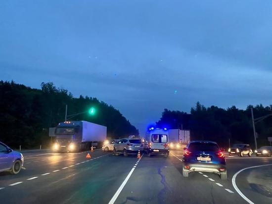 В Туле на Одоевском шоссе произошло массовое ДТП