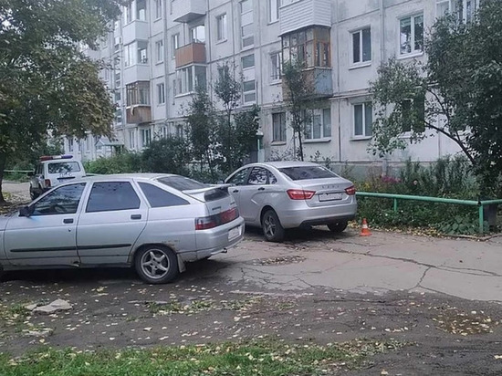 В Ижевске под колеса автомобиля попала 9-летняя девочка