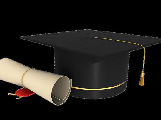 Сколько жителей Смоленской области имеет высшее образование