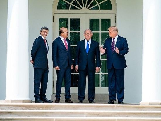 15 сентября представители Бахрейна и Израиля подписали в Белом доме мирный договор