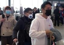 Скорбящие родственники людей, умерших от COVID-19 в китайском Ухане, утверждают, что власти блокируют их судебные иски по поводу коронавируса