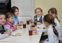 Фото обедов и завтраков  саратовских школьников появятся  в социальных сетях
