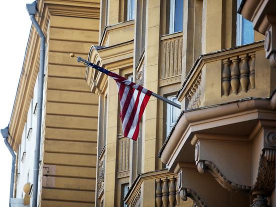 Россиянин за рулем прорвал периметр резиденции посла США в Москве