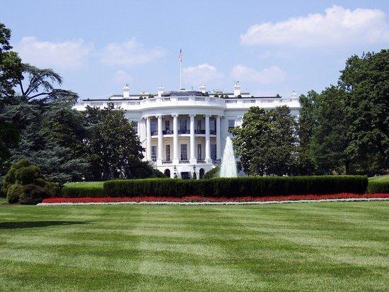 Из-за смерти Гинзбург над Белым домом приспустили флаг