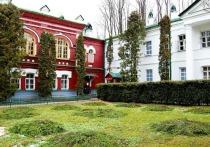 Псково-Печерский монастырь открыли для паломников