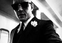 Актер, который может исполнить роль Джеймса Бонда в известной серии фильмов о британском агенте 007, назвало издание Mirror
