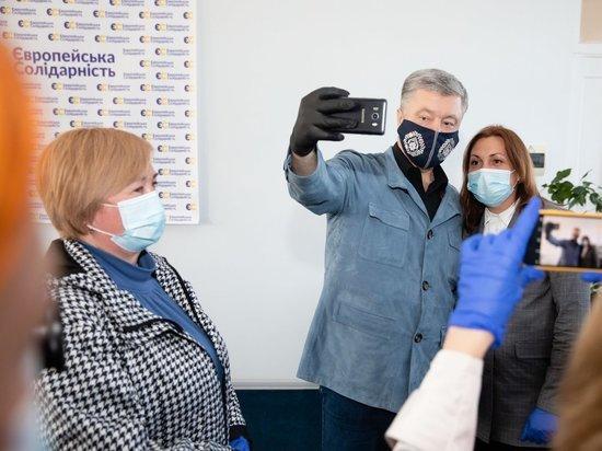 Порошенко заявил, что спас Украину от «агрессора»