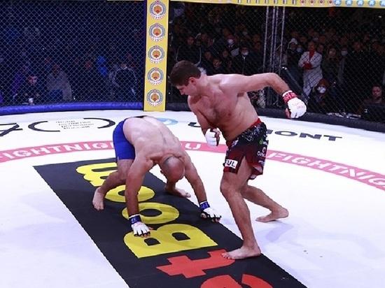 В главном поединке турнира Fight Nights Global 97, который состоялся накануне вечером в Элисте, победил боец Олег Попов из Калмыкии