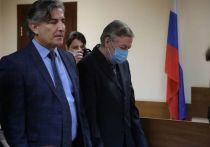 Лишенный адвокатского статуса Эльман Пашаев признал, что получил гонорар за защиту актера Михаила Ефремова, приговоренного к восьми годам колонии общего режима по делу о смертельном пьяном ДТП