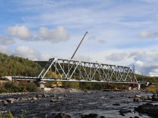 Новый железнодорожный мост через реку Кола прошёл первые испытания на прочность