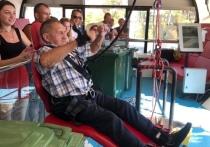 90-летний пенсионер из Домодедова, Борис Графов совершил свой девятый прыжок на одной из самых высоких банджи Европы