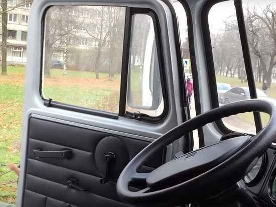 В Петербурге мужчина умер после перелома основания черепа в автозаке