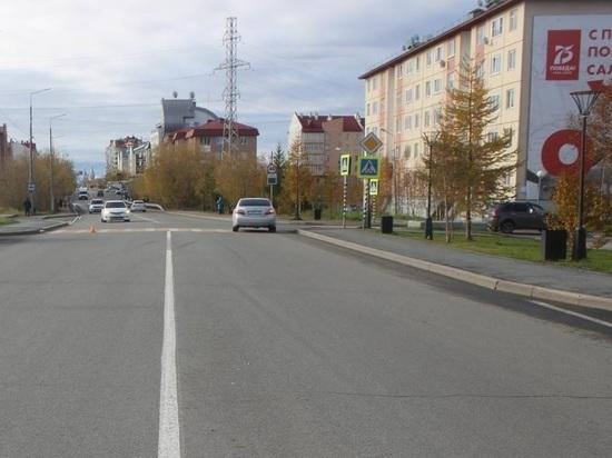 В Салехарде иномарка сбила человека на переходе