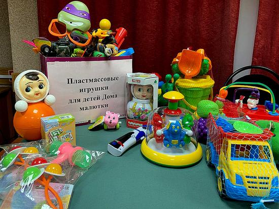 Сотрудники рязанского УФСИН подарили игрушки детям из Дома ребенка