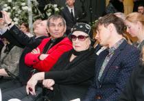 Странные обстоятельства передачи квартиры Бари Алибасову 21 сентября описала в Троицком суде его супруга, Лидия Федосеева Шукшина