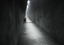 22 сентября декорация, выстроенная на территории заброшенного картинг-центра на улице Барклая, где завершаются съемки фильма «Петрополис» Валерия Фокина, откроется на один день для посетителей