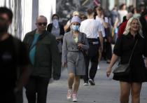 Научные советники британского правительства выступили с телеобращением к нации, в красках расписав невеселые перспективы с коронавирусом