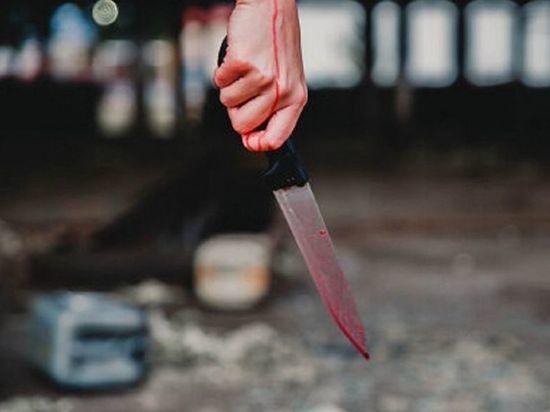 В Хакасии женщина проткнула ножом живот возлюбленного
