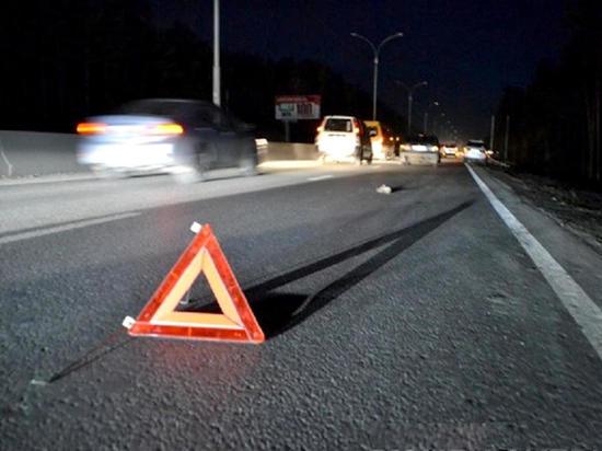 Свидетель ДТП в станице Старокорсунской под Краснодаром рассказал, что карета скорой помощи приехала через 50 минут, а дозвониться до медиков удалось не с первого раза