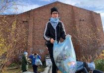Школьники Салехарда очистили от мусора берега Полябты и Соби