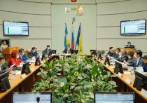 На минувшей неделе после «летних каникул» в столице Бурятии прошла очередная сессия городского совета, на повестке которой было 13 вопросов