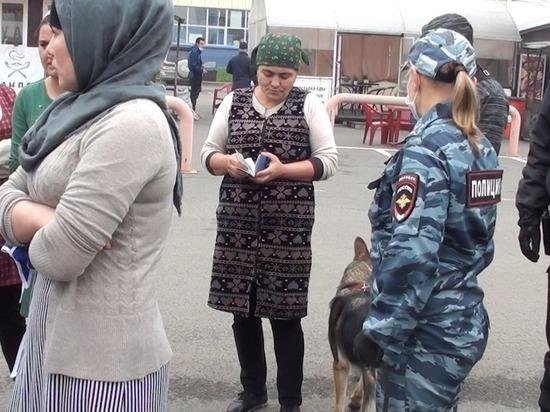 Работавших на кемеровском рынке нелегалов выдворят из страны