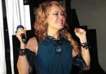 Певица Азиза сообщила, что пока не простила своего жениха Давида Григоряна, застуканного за флиртом с молодой участницей реалити-шоу