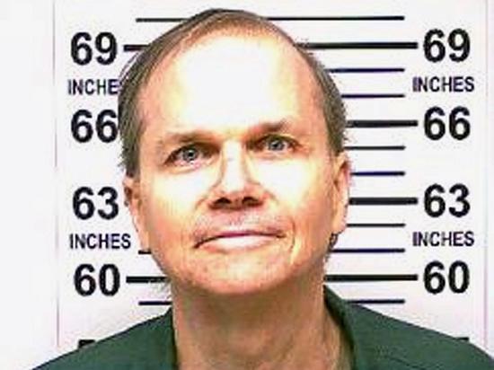 Марк Дэвид Чэпмен, осужденный за убийство британского музыканта Джона Леннона, назвал истинную причину своего преступления