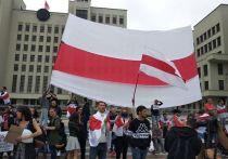 Массовые акции протеста в Белоруссии постепенно уходят с улиц Минска вглубь страны: в трудовые коллективы, дворы и так далее