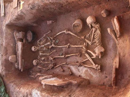 Археологи откопали в Хакасии несколько ценных находок
