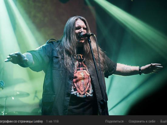 Белорусскому металлисту дали 8 суток после уличного концерта в Минске