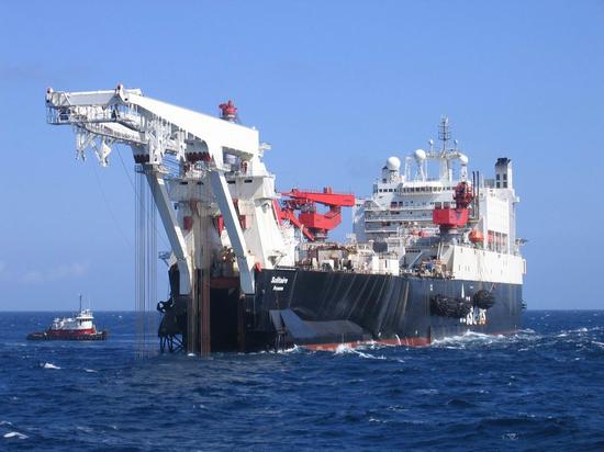 Страховщики не станут оказывать услуги страхового покрытия причастным к Nord Stream 2 суднам из-за угрозы санкций