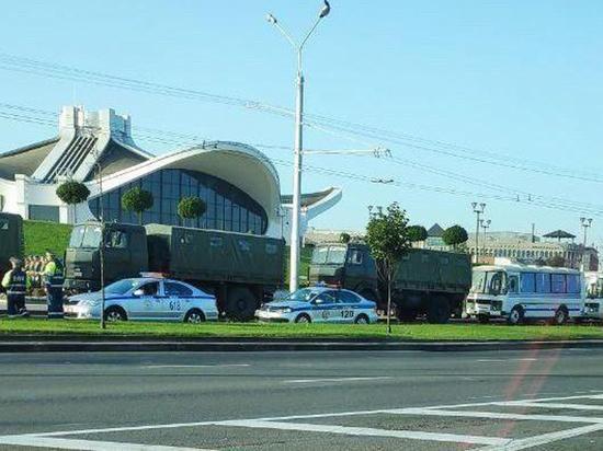 Около Дворца независимости в Минске заметили странную активность