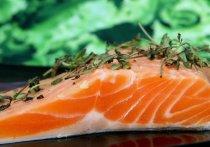 Наиболее полезной является рыба из северных водоемов, рассказал в интервью радио Sputnik исполнительный директор Ассоциации производственных и торговых предприятий рыбного рынка Александр Фомин