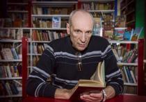 Автор сборника «заметок и реплик» «А рыпаться все равно надо – 2» Саша Кругосветов из тех писателей, что обладают особым свойством – магнетизмом