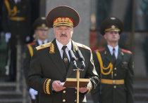 Глава МИД СловакииИван Корчок сообщил в своем Твиттере о непризнании легитимности президента Белоруссии Александра Лукашенко, который сегодня провел инаугурацию и вступил в должность