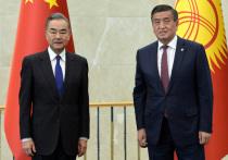 Получая новый грант, Сооронбай Жээнбеков попросил руководство КНР об отсрочке по прежним кредитам из-за тяжелой экономической ситуации в стране