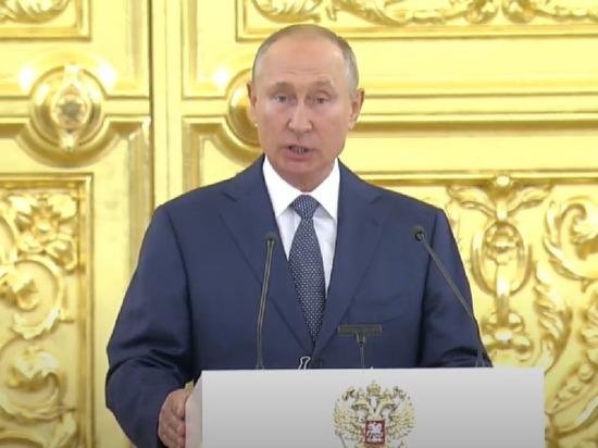 Выступая на заседании Совета Федерации, Владимир Путин после перечисления достижений и экономических шагов власти неожиданно отдельно остановился на реставрации петербургской консерватории