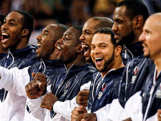 Комиссар Национальной баскетбольной ассоциации (НБА) Адам Сильвер сомневается, что игроки лиги будут участвовать в Олимпийских играх-2020. Турнир, который и так переживает не лучшие времена, и был перенесен на год, может лишиться большой зрительской аудитории. «МК-Спорт» расскажет почему.