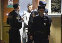 Главный фигурант дела о стрельбе в комплексе «Москва-Сити» - двукратный чемпион мира по кикбоксингу Магомед Исмаилов (он же Кобра) - в среду, 23 сентября, дал показания в Пресненском суде
