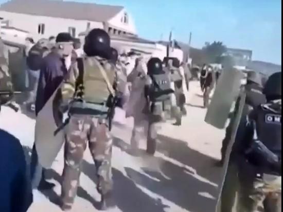 В Дагестане произошло столкновение жителей с бойцами Росгвардии