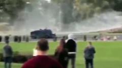"""Протестующих в Минске разгонали """"крашеными"""" водометами"""