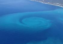 В социальных сетях появилось фото любопытного и редкого явления в Черном море, которое называют «глаз дракона»