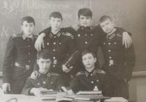 После Парада Победы - вафельный торт: выпускник тверского Суворовского училища вспомнил об учебе в 80-х годах прошлого века