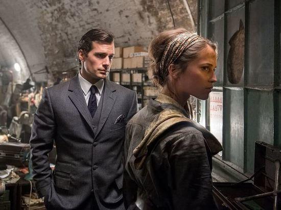 К любителям детективов пожаловала в гости сестра знаменитого сыщика Шерлока Холмса — Энола Холмс