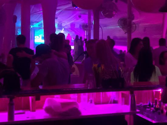 Пьяный иностранец устроил дебош в севастопольском баре